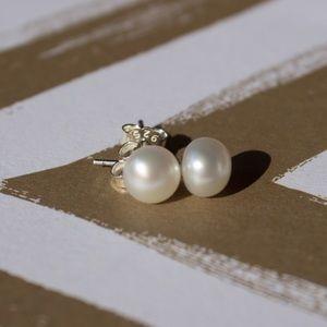 Freshwater White Pearl Stud Earrings (5-6mm)